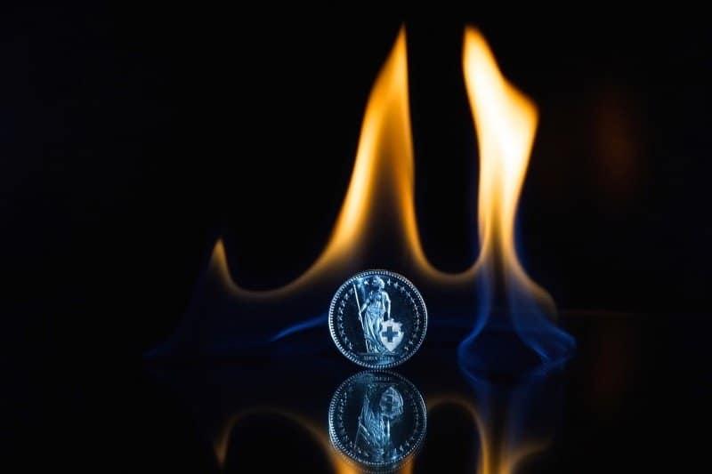 Feuer Flamme Münze Finanzen Währung Schweiz Coinrevolutioncom